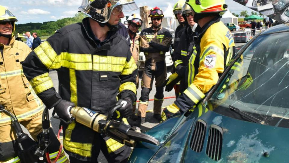 Extrication demonstration during Technical Days 2016